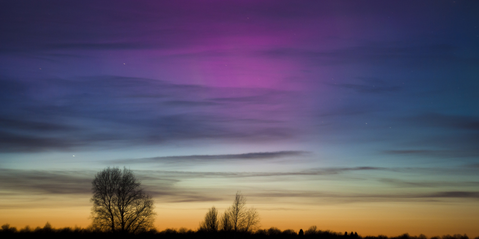 colorful-aurora-borealis-photographed-in-saaremaa-estonia-30191608