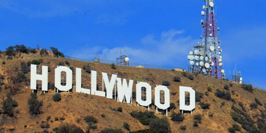 33434611 - los angeles, california, usa - november 10, 2014: the hollywood sign, viewed from lake hollywood park, is a landmark and american cultural icon located on mount lee in the hollywood hills area of the santa monica mountains in los angeles, california.
