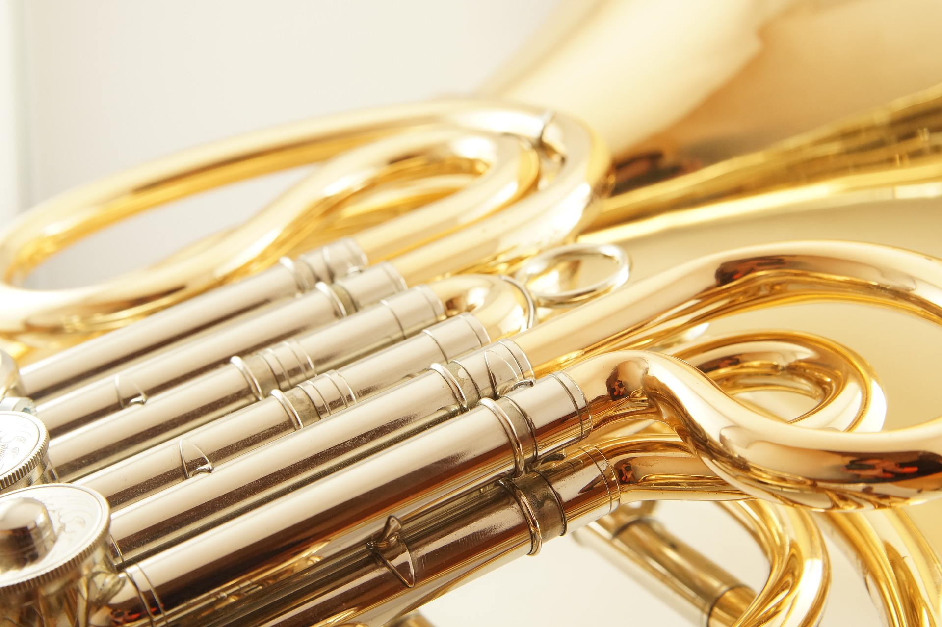 french-horn-1566587_1920
